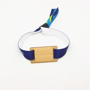 Recyclable RFID NFC NTAG213 wooden bracelets with customized string and friendly wood card wristband For Events