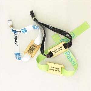 RFID Wooden Engrave Wristbands With Ntag 215 chip For Resort Access Control