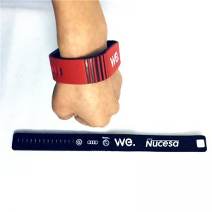 Debossed Logo RFID Silicone Wristband With H3 UHF Chip