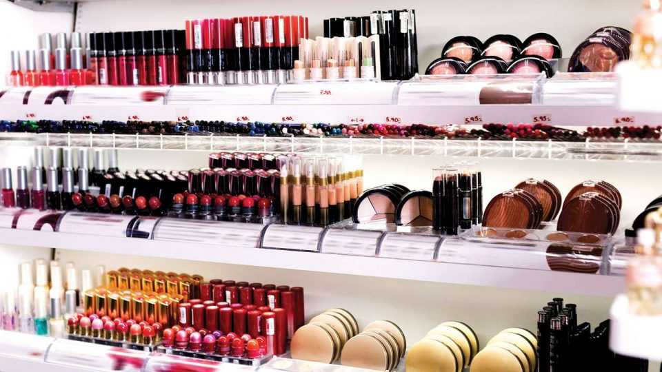 What are the benefits of applying RFID electronic tags to cosmetics?