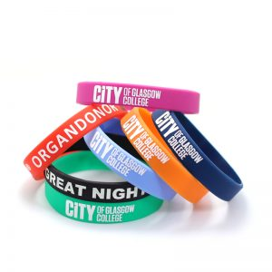 $0.08 Cheap Price Customized Logo Personalized Rubber Wristbands Silicone Sports Bracelet
